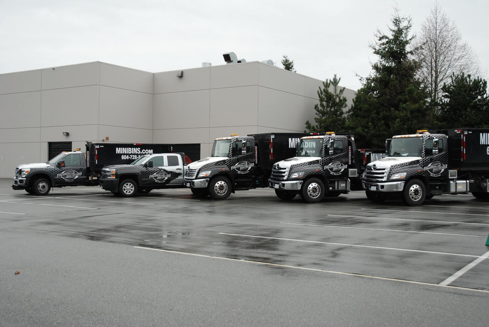 garbage bin rental truck fleet